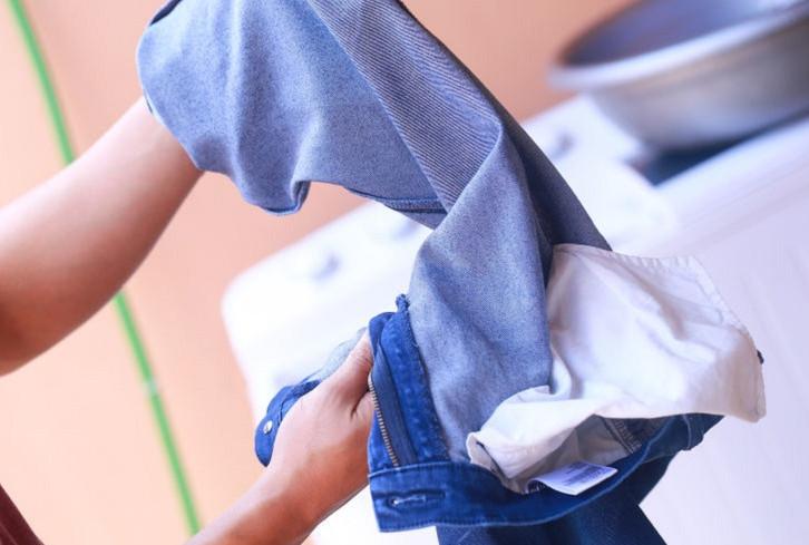 lộn trước quần trước khi giặt