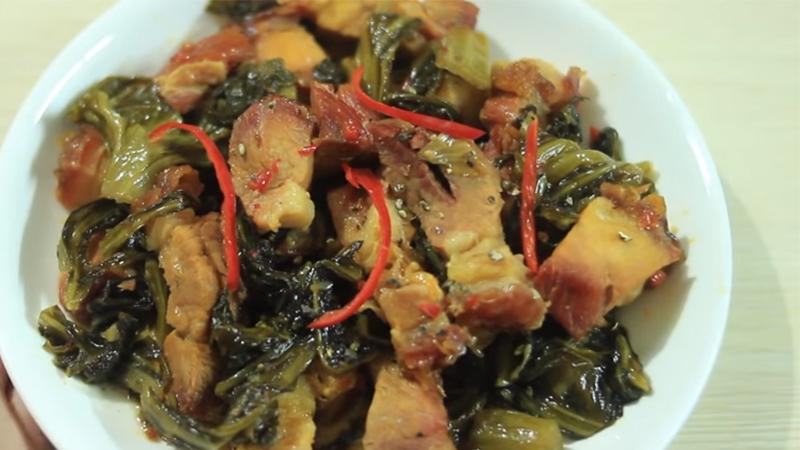 thịt heo quay kho cải chua 3