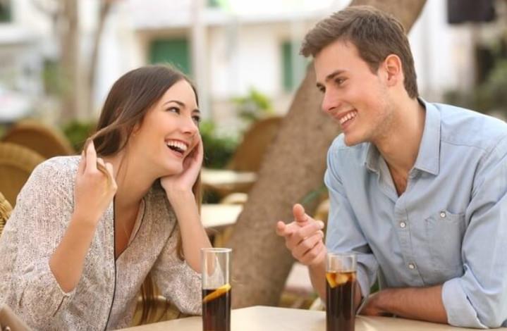 cách bắt chuyện với bạn trai mới quen